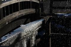 冬の水車4