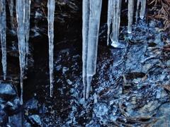 第千二百八十六作  「急かるる水も 氷となりて 春を待たう」 栃木県鹿沼