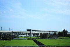 車窓より見る新幹線の通リ道