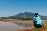 田んぼに映る筑波山