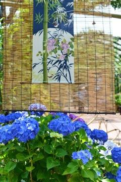 夏近し 簾と紫陽花の梅雨の時期