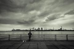 曇天で待つ