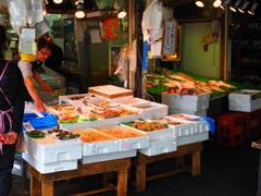 商店街の魚屋さん