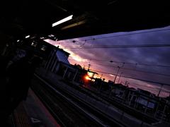 一日の終わり-駅。