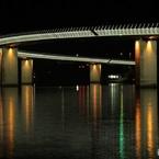CANON Canon EOS Kiss X5で撮影した(曲がった夜の大橋)の写真(画像)