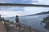 関門海峡とカメラ女子