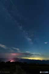 天の川と流れ星