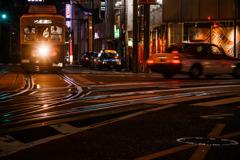 夜の電車通り