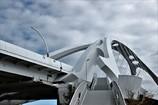 明日へかける橋