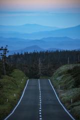 道の先の山脈