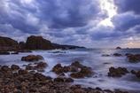 曇天の海岸にて