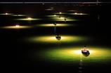 新月の夜の舟明かり