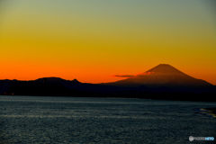 夕日に染まる富士