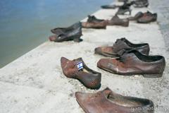 ドナウ川。靴の銅像。