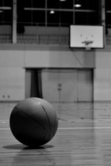 体育館とボール