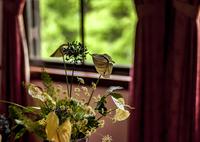 人生に音楽を 窓辺に花を
