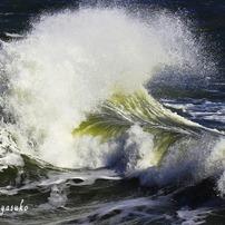 海 台風余波