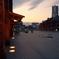広場の夕空