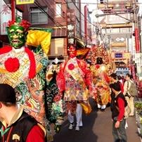 横浜中華街の媽祖祭と横浜港のカモメの群舞