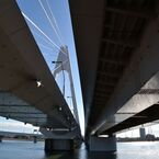 多摩川と大師橋