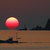 室積海岸のダルマ夕日