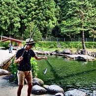 『白根魚苑 マス釣り』