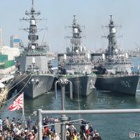 海上自衛隊 創設50周年 国際観艦式(予行)出港前風景