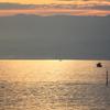 船の音のみ・・静かな朝の海