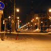 夜明け前の雪小路