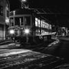 夜の街をゆく