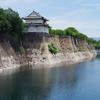 一番櫓と石垣と堀