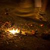 足元の火の粉