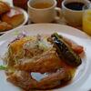 鶏もも肉のポワレ シャリアピンソース