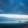海と雨雲の狭間