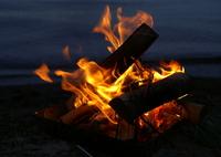 キャンプ焚き火 猪苗代湖