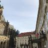 チェコ(368)プラハ城の中庭で