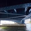 橋の下の力持ち