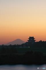 城と富士_01