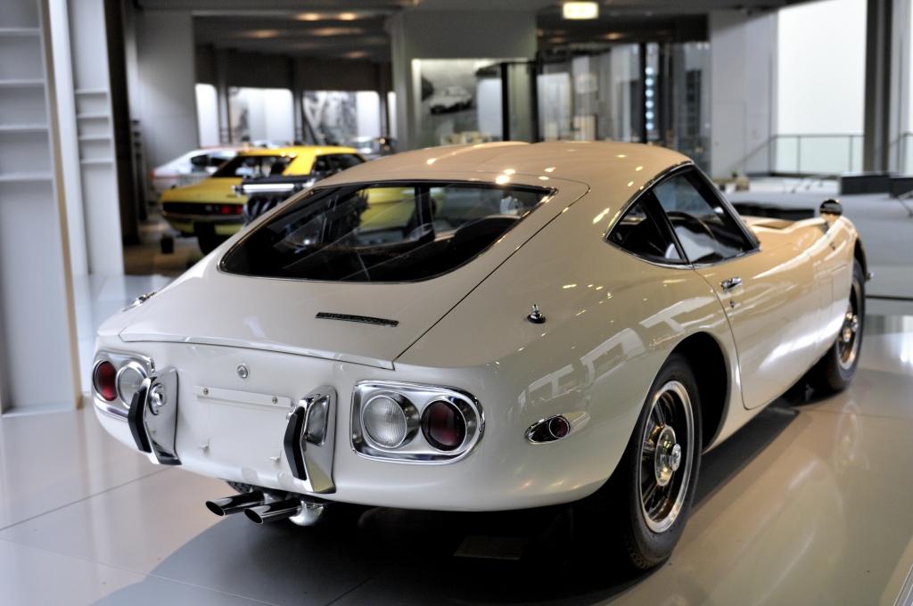 トヨタ2000GTリア