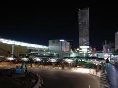 駅前の夜景