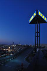 夜のIKEA