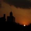 代々木体育館と夕陽