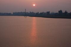 多摩川河口の夕日