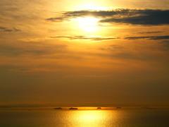 黄金に染まる東京湾