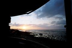 UFO屋敷の中からの夕日