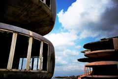 UFO屋敷と雲 -LOMO  LC-A-