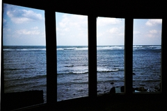 UFO屋敷から眺める海 -LOMO  LC-A-