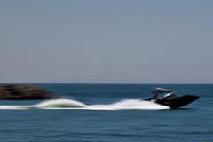 海に遊ぶ(モーターボート)