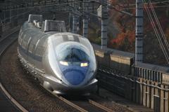 赤穗大津トンネル付近を行く500系新幹線