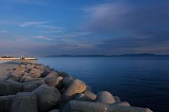 黄昏時の突堤